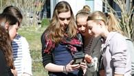 High%2dTech%2dExperimente zum Girls'Day in Oberpfaffenhofen