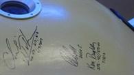 Autogramm auf der Sojus%2dKapsel