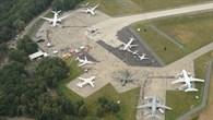 Flugzeugausstellung auf der ZULU%2dPlatte
