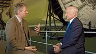 Reiter und Aldrin im Gespräch