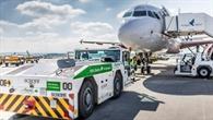 Batterieelektrisches Vorfeldfahrzeug am Flughafen Stuttgart