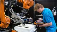 Schicht für Schicht zum Hightech%2dBauteil: Der Tapeleger am Institut für Bauweisen und Strukturforschung