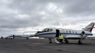 HALO (hinten) und Falcon bei der Ankunft Keflavik, Island.