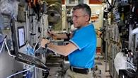 Erste Experiment%2dEinheit auf der ISS