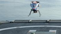superARTIS bei der Landung auf einem Schiff