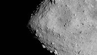 Der Asteroid Ryugu auf dem Titelbild der 159. Ausgabe des DLRmagazins