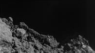 Die Oberfläche Ryugus aus wenigen Metern Entfernung aufgenommen