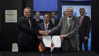 Unterzeichnung der Kooperation zwischen JAXA und DLR