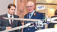Dirk Zimper (links) und Generealleutnant Dr. Ansgar Rieks