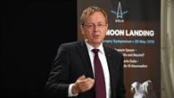 "ESA%2dGeneraldirektor Jan Wörner: ""Vorwärts zum Mond"""