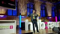 Daniel Leidner präsentiert seine Forschungsprojekte