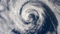Blick von der ISS auf Wolkenwirbel