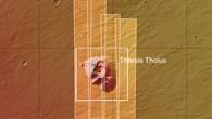 Topographische Übersichtskarte des Vulkankomplexes Tharsis Tholus