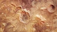 Farbansicht des auffälligen Kraters nördlich des Hellas%2dBeckens