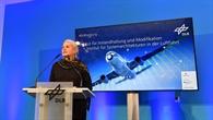 Prof. Ehrenfreund bei der Eröffnung