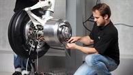 Emissionsfrei am Flughafen: DLR entwickelt Brennstoffzellen betriebenes elektrisches Bugrad für Verkehrsflugzeuge