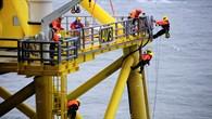 Constructing the 'alpha ventus' offshore wind farm