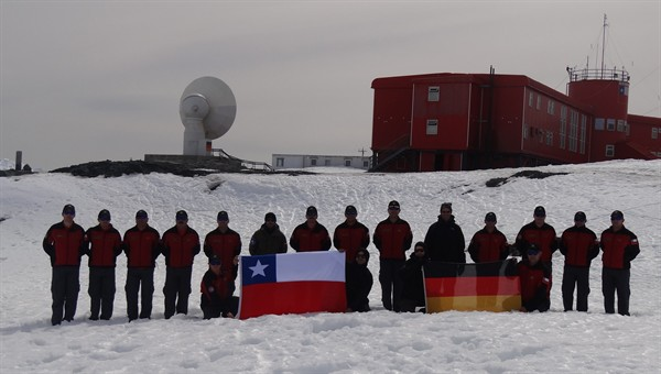 German and Chilean Antarctic teams