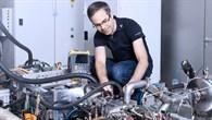 Batterie alle? %2d Als Range%2dExtender versorgt der Freikolbenlineargenerator Elektroautos mit dem notwendigen Strom