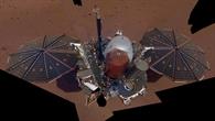 Selfie der InSight%2dLandesonde auf dem Mars