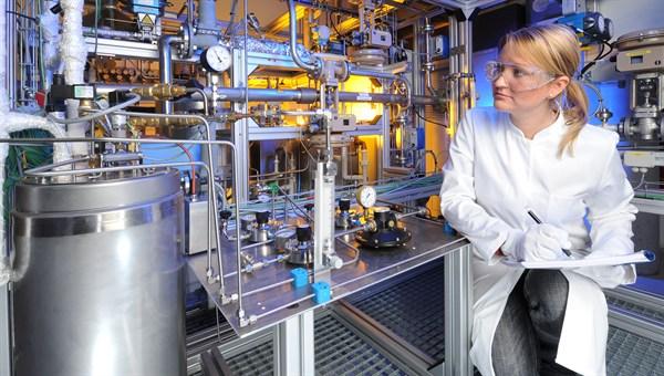 Versuchsanlage zur experimentellen Untersuchung und Optimierung thermochemischer Umwandlungsprozesse