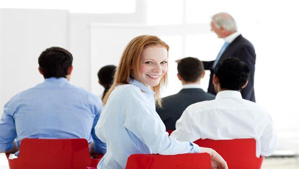Personalentwicklung erkennt vorhandene Mitarbeiter%2dKompetenzen und %2dpotenziale und entwickelt diese nach den Erfordernissen der Arbeitsplätze weiter.