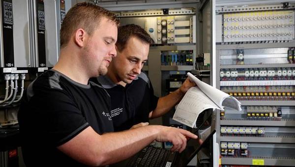 Entwicklung CAFM%2dSystem und operatives Datenbankmanagement
