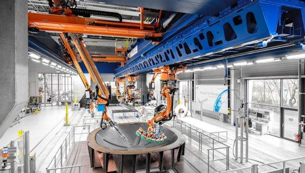 Auf der Multifunktionalen Zelle (MFZ) des ZLP in Augsburg werden Prozesse und Prozessketten im Full%2dScale%2dMaßstab entwickelt.