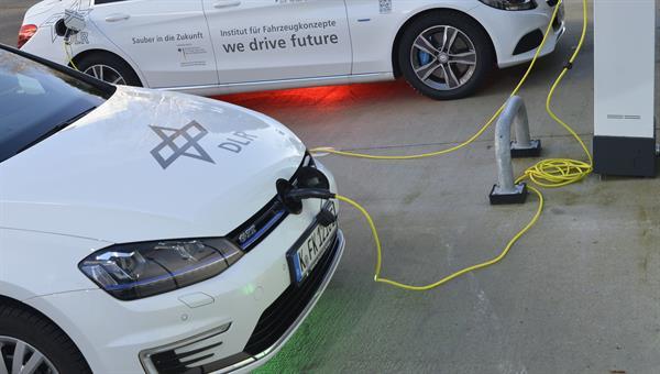 Elektromobilität im Institut Fahrzeugkonzepte