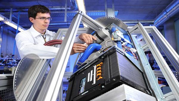 Brennstoffzellensystem in einem Inklinatiosteststand