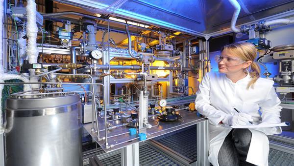 Modellierung und Bewertung spezieller Verfahren zur Herstellung von synthetischen Kohlenwasserstoffen