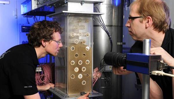 Partikelwärmeübertragerteststand mit transparentem Testaufbau