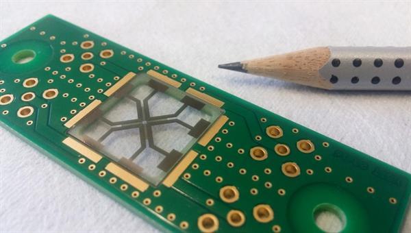 Chip mit Interdigitaltransducern