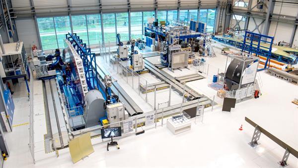 Forschung im Bereich der automatisierten Serienfertigung von CFK%2dBauteilen