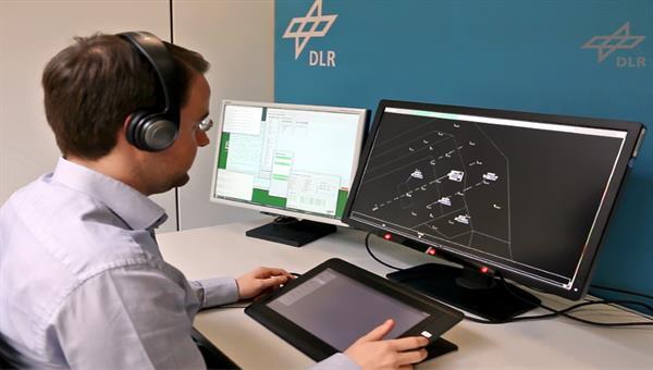 Infrarot%2dEye%2dTracking%2dSystem am prototypischen Radardisplay eines Fluglotsen