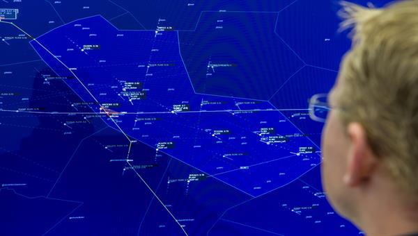 Neuartige Systeme, Verfahren und Konzepte der Flugsicherung und des Luftverkehrsmanagements (ATM)