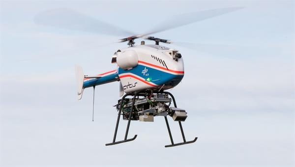 superARTIS UAS im Flug mit optischen Sensoren zur Umweltwahrnehmung und Navigation