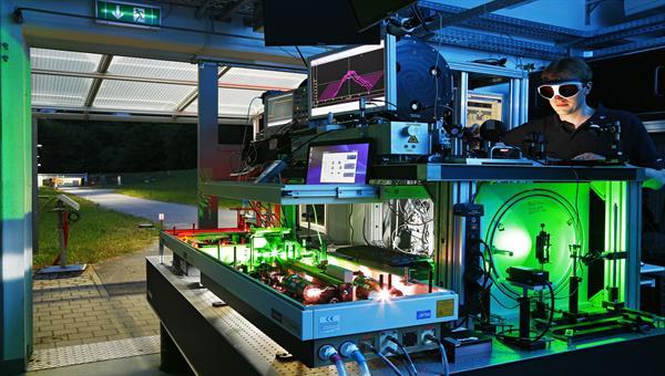 Laserbasierter Stand%2dOff Detektionsaufbau am Institut für Technische Physik