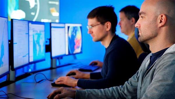 Entwicklung von Geodateninfrastrukturen im Erdbeobachtungszentrum
