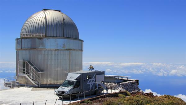 Transportable Optische Bodenstation (TOGS) bei einer Messkampagne auf La Palma %2d Kanarische Inseln