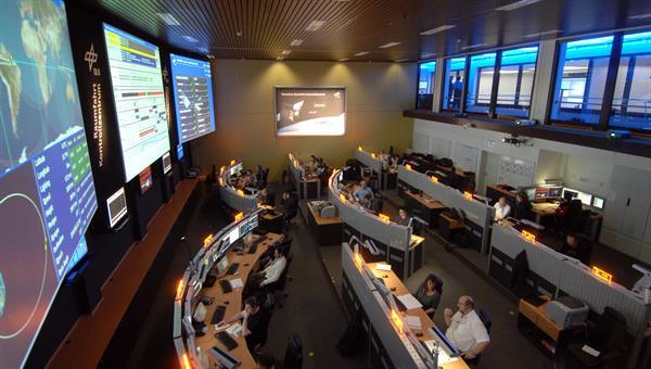 """Unterstützung der Gruppe """"Mission Control and Data Systems"""""""