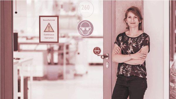 Linda Bolay am Institut für Technische Thermodynamik © Fotos: DLR/Sebastian Berger 2018