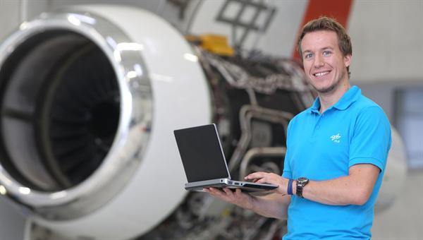Daniel Bender erforscht die Flüssigkühlung fürs Flugzeug