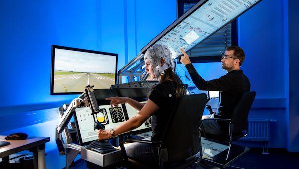 Mensch%2dMaschine%2dInteraktion / Human Factors in der Luftfahrt