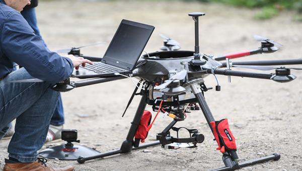 Onboard%2dSysteme für Drohnen