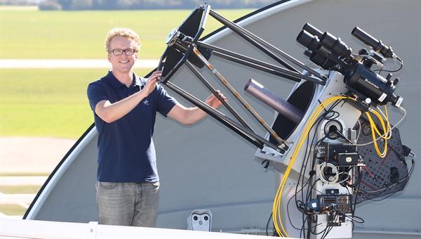 Florian Moll erforscht die optische Kommunikation im freien Raum
