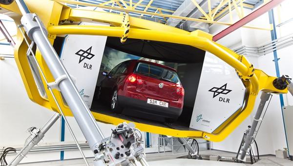 Dynamic driving simulator of DLR