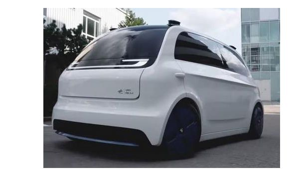 The autonomous driving vehicle concept Urban Modular Vehicle People Mover as prototype