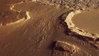 Spuren von Wasser auf der Marsoberfläche