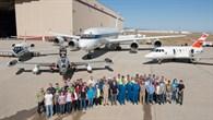Gruppenbild mit Forschungsflugzeugen